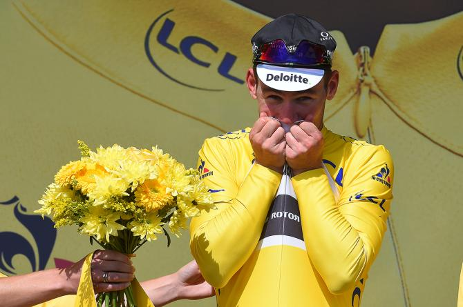Cavendish é o primeiro líder do Tour 2016