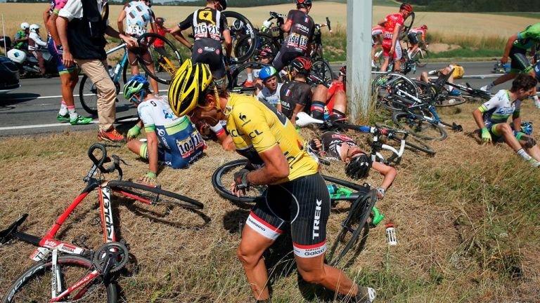 fabian-cancellara-tour-de-france-stage-three-crash_3322411